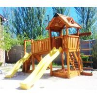 Дитячий майданчик Spielplatz Томас Брукліні з лазами, канатної драбинкою і двома гірками